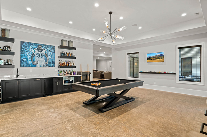 Mike Tolbert's house asks $2.4M pool table