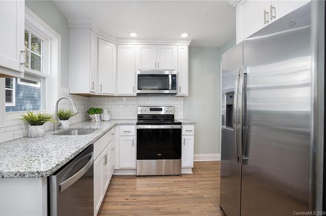 1135 Spruce St kitchen