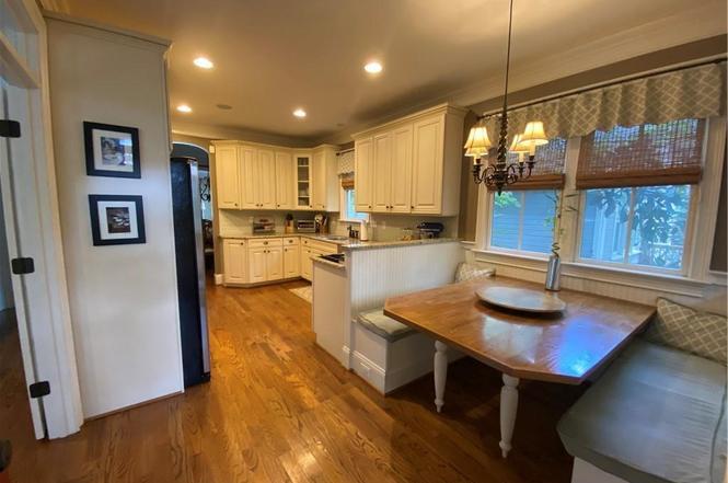 1500 Mimosa Ave kitchen