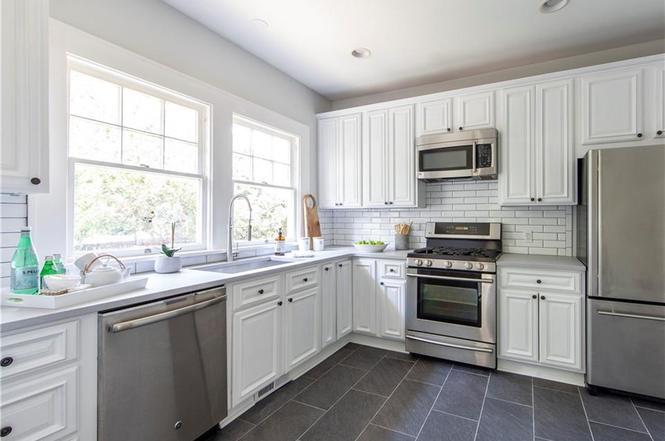 1921 Thomas Ave kitchen