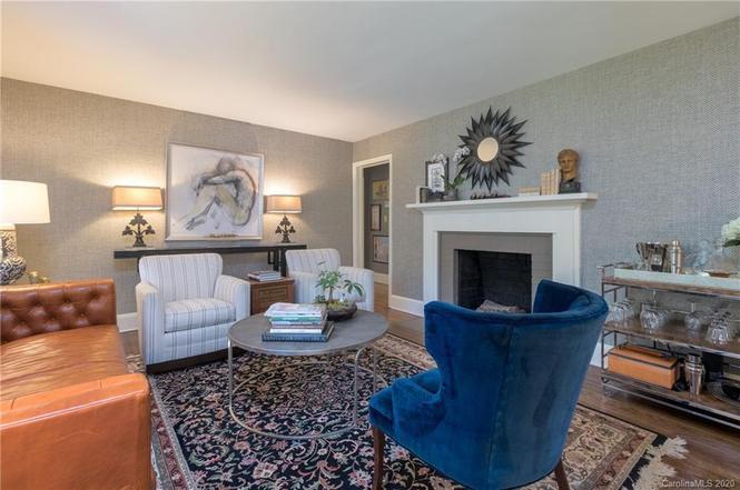 2426 Arnold Dr living room