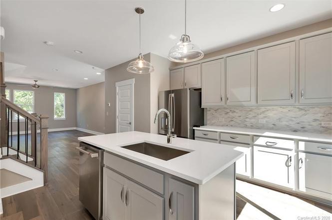 2927 Simpson Drive kitchen