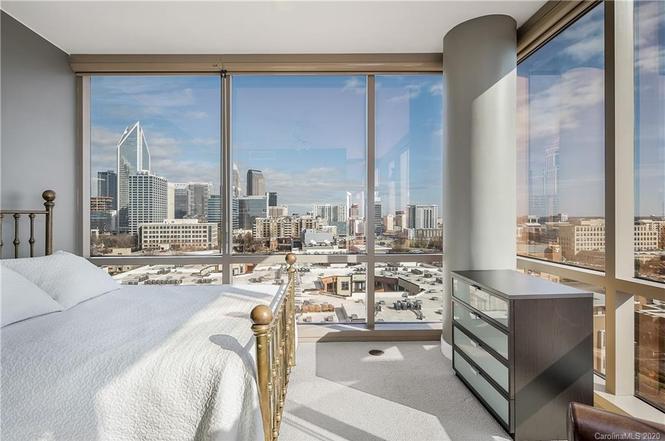 315 Arlington Ave. #1201 bedroom