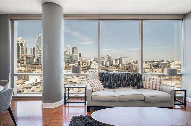315 Arlington Ave. #1201 living room