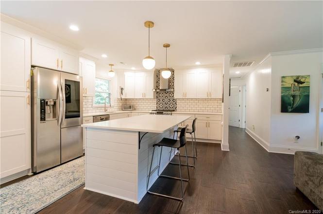 3825 Riverbend Rd kitchen