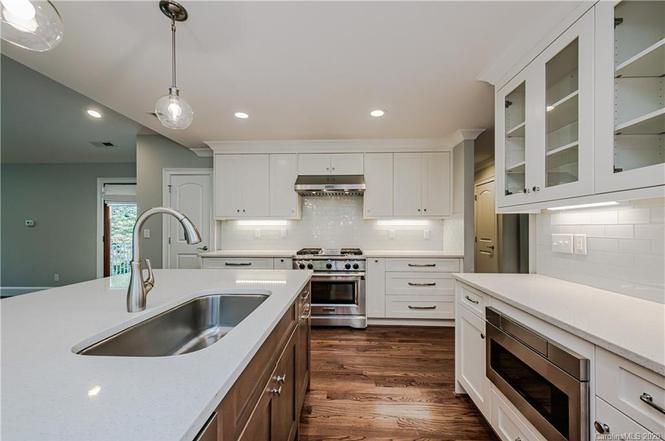 3911 Sharon View Rd kitchen 2