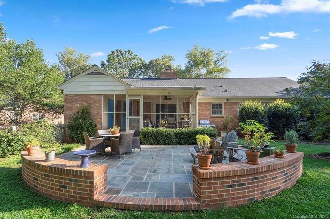 4300 Brookfield Drive porch