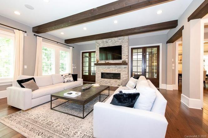 4607 Harper Court living room