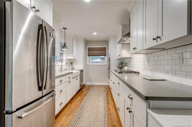 6516 Pleasant Grove Road kitchen