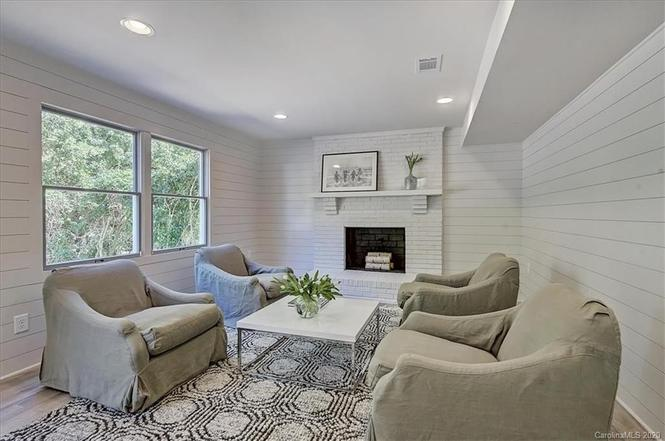 6745 Morganford Rd living room