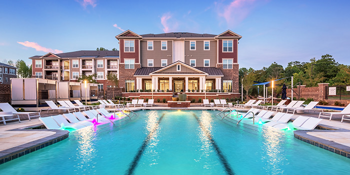 cortland northlake pool lounge