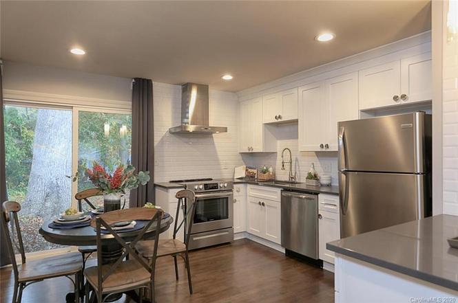 1616 Herrin Ave kitchen