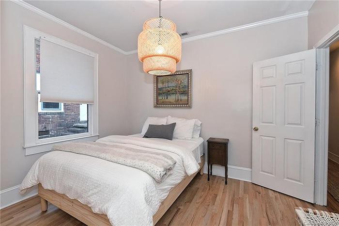 1714:1712 Thomas Ave bedroom