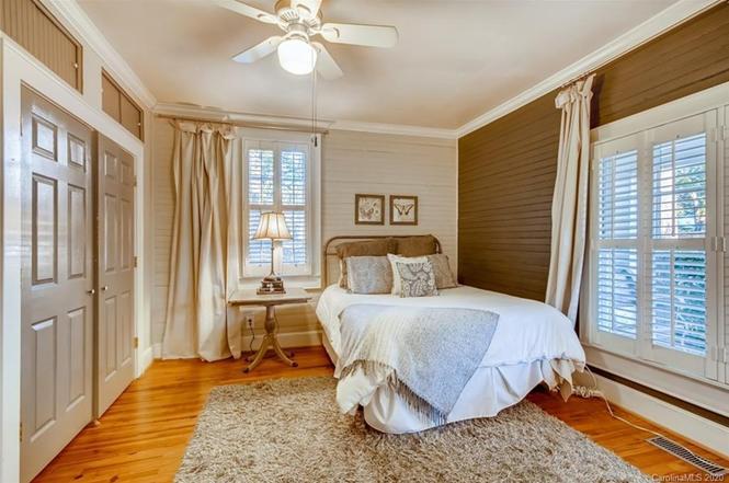 3103 N Myers St bedroom