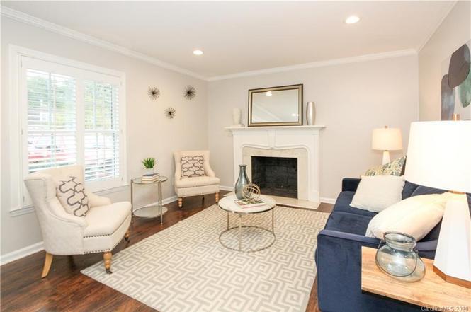 3500 Colony Road, Unit B living room